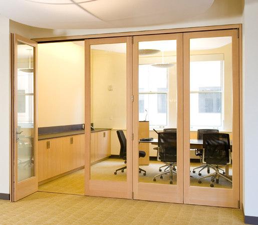Folding Doors - Wood | Climateworks de LaCantina Doors | Portes intérieures
