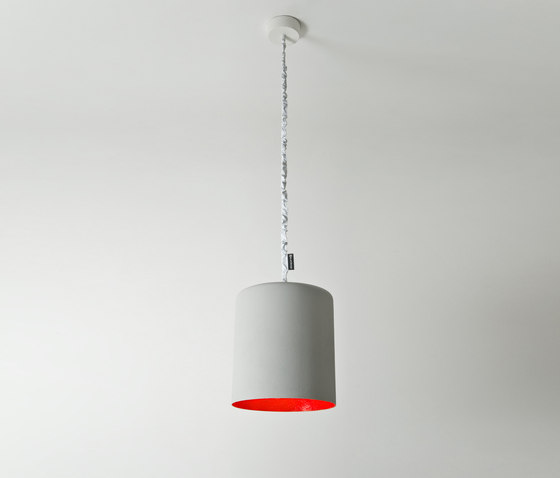 Bin cemento rouge de IN-ES.ARTDESIGN | Suspensions