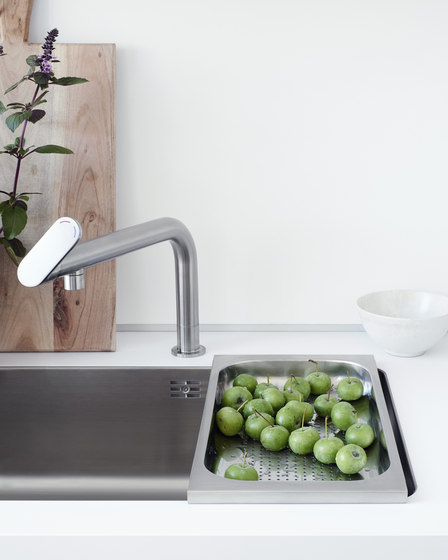 b1 water point by bulthaup | Kitchen sinks