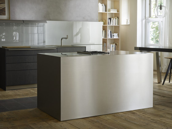 b3 monoblock in stainless steel de bulthaup | Fitted kitchens
