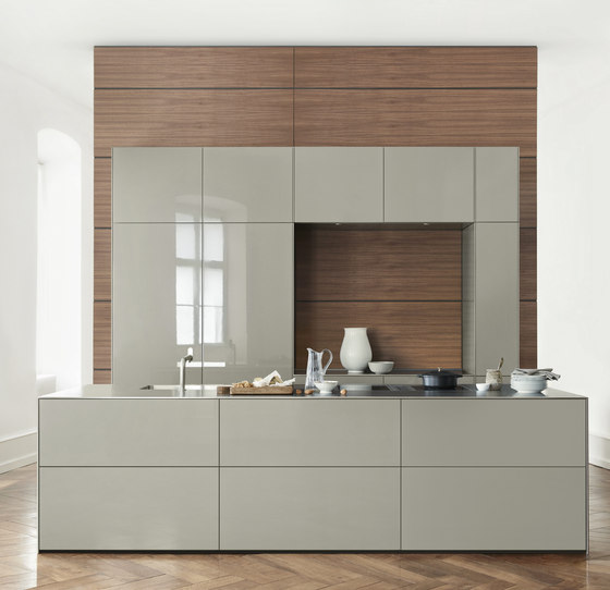 b3 veneer and solid wood di bulthaup | Cucine parete