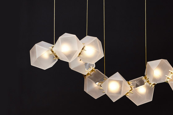 WELLES GLASS Long Chandelier de Gabriel Scott | Suspensions