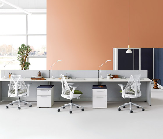 Action Office di Herman Miller | Scrivanie