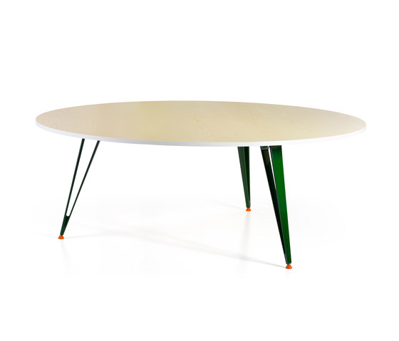 Attach | 3 Legs by Lammhults | Dining tables