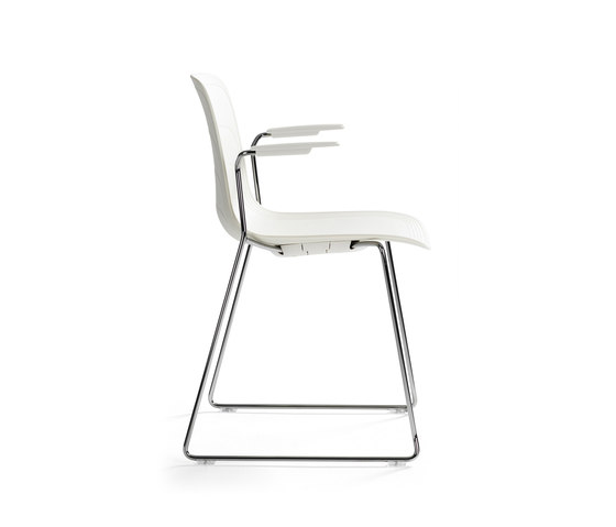 Grade | Armchair Sled Base by Lammhults | Chairs