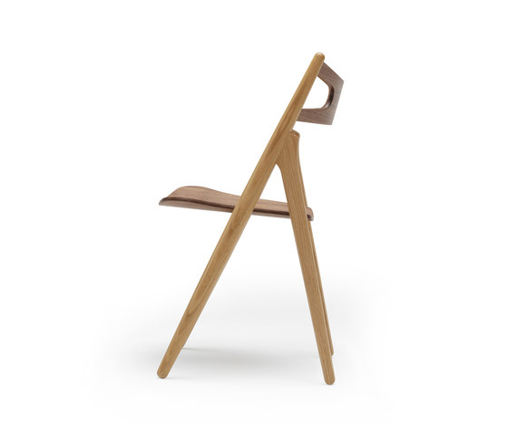 CH29 Sawbuck Chair by Carl Hansen & Søn | Chairs