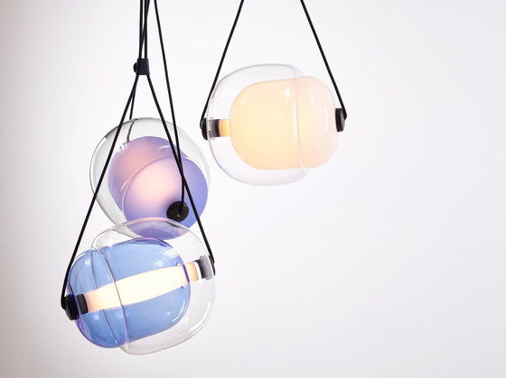 Capsula Triangle PC943 by Brokis   Suspended lights