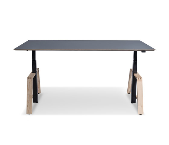motu Table A by Westermann | Contract tables