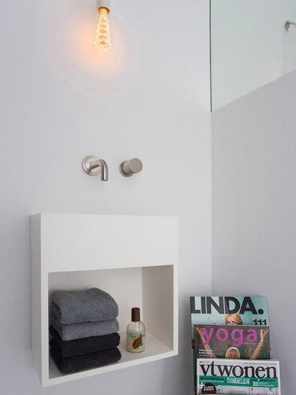 Sant Jordi II | Toilet basin with shelf by COCOON | Wash basins