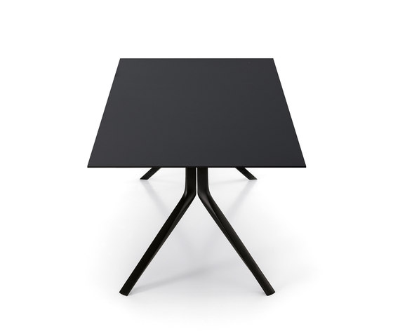 Oops Table by Kristalia | Dining tables