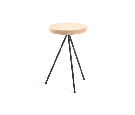 Nuta | wood stool 45 di Mobles 114 | Sgabelli