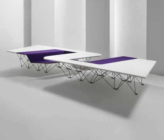 #005.02 SitTable by Prooff | Contract tables