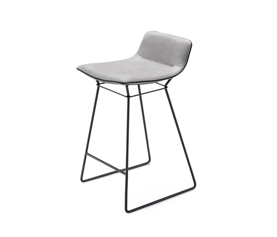 Amelie Kitchen Stool Low de Freifrau Sitzmöbelmanufaktur | Taburetes de bar