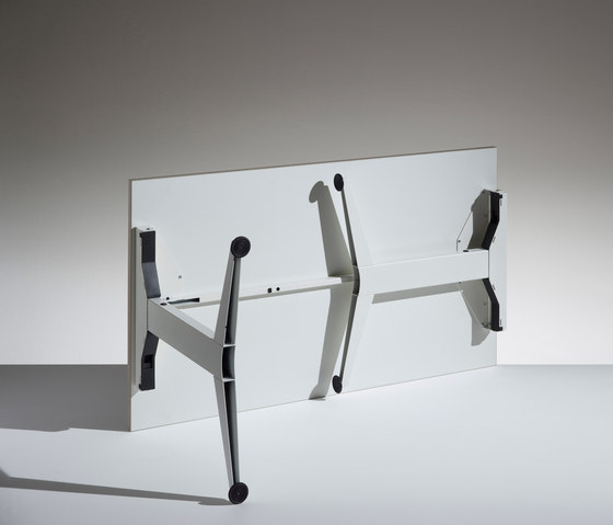 Flip tilting table de Lamm | Mesas contract