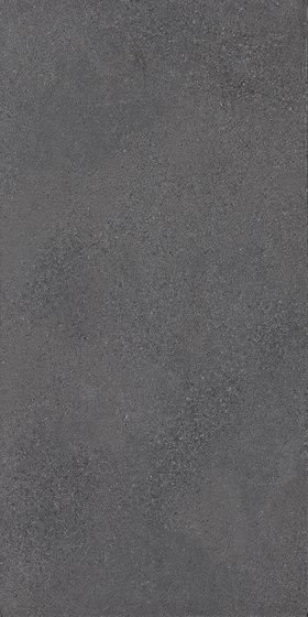 Trax Dark von FMG | Außenfliesen