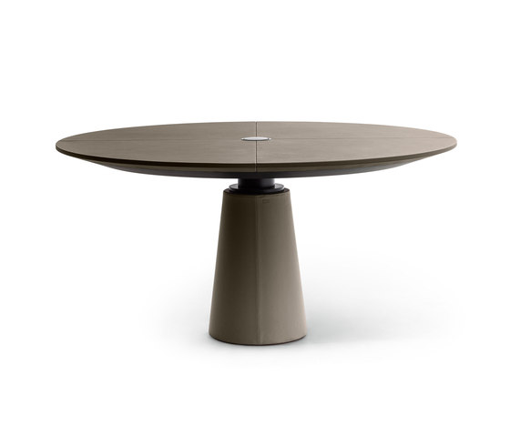 Mesa Due by Poltrona Frau | Restaurant tables