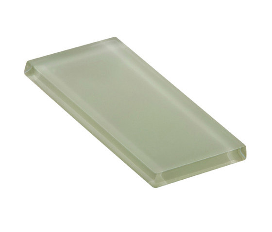 Glasstints | cucumber matte de Interstyle Ceramic & Glass | Carrelage en verre