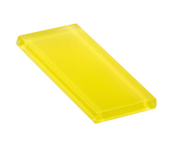 Glasstints | yellow green matte di Interstyle Ceramic & Glass | Piastrelle vetro
