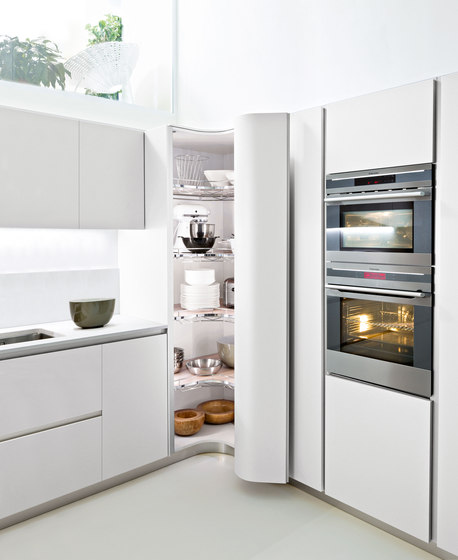Ola 20 | bianco nordic by Snaidero USA | Fitted kitchens