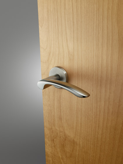 Od 201 On Series Mv Lever Handles From Sargent Architonic