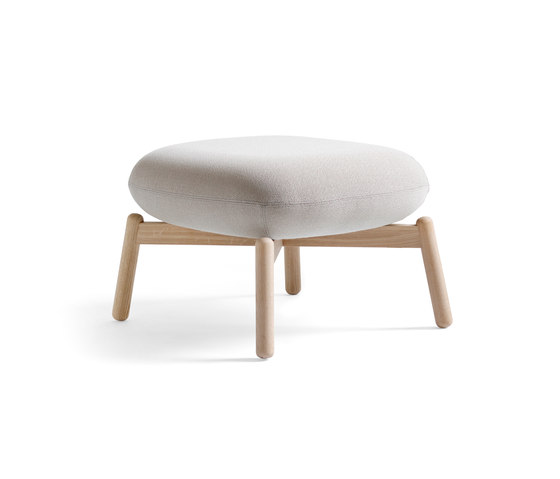 Easy Nest Stool de +Halle | Pufs