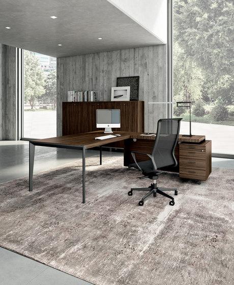 X9 by The Quadrifoglio Group | Executive desks