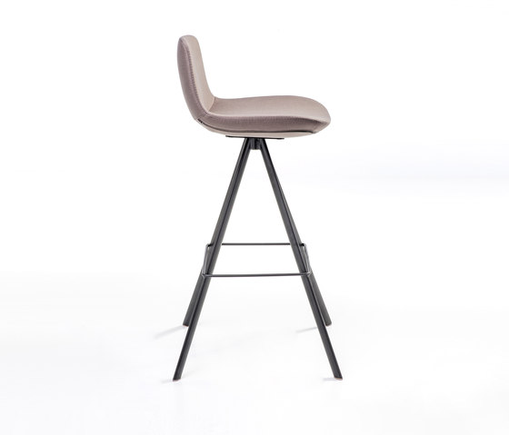 Pera Bar by B&T Design | Bar stools
