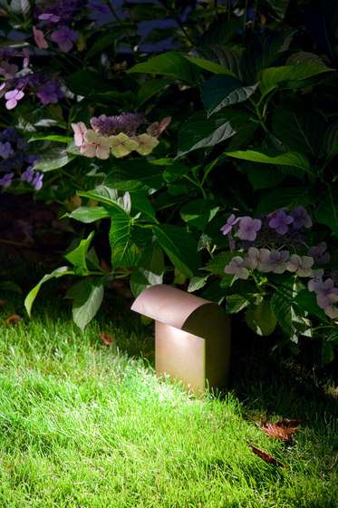 SIMPLY Short 20cm Brass LED by PVD Concept | Outdoor floor lights