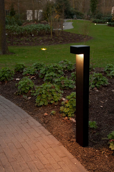 SIMPLY 90° 70cm Anodised Black LED by PVD Concept | Bollard lights