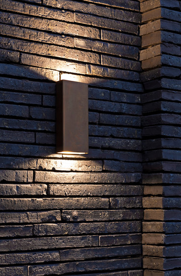 SIMPLY PILLAR up/down Wall medium Brass LED by PVD Concept | Outdoor wall lights