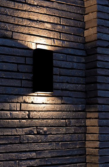 SIMPLY PILLAR up/down Wall medium Black LED by PVD Concept | Outdoor wall lights