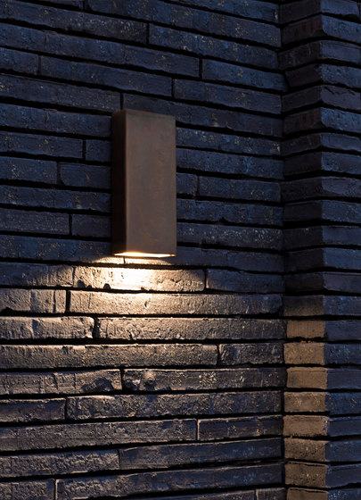 SIMPLY PILLAR down Wall medium Brass LED by PVD Concept | Outdoor wall lights