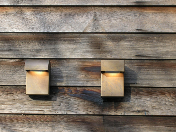 SIMPLY 90° Wall 15cm Brass LED di PVD Concept | Lampade outdoor parete