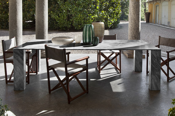 Stone Table by Exteta | Dining tables