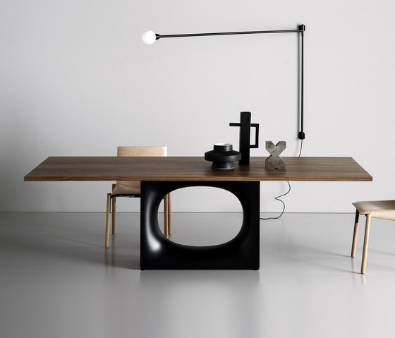 Holo table by Kristalia | Dining tables