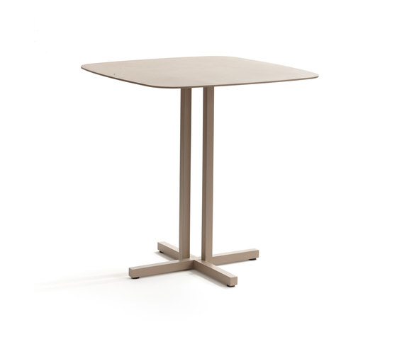 Key West 4244 bistrot table by ROBERTI outdoor pleasure | Bistro tables