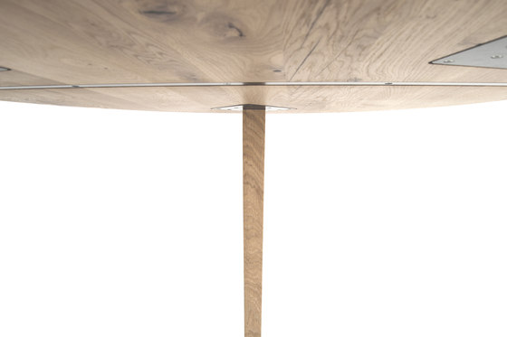 Bronco rund by MBzwo | Dining tables