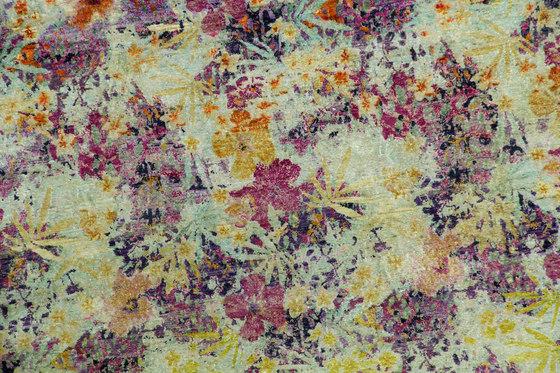 Kundan Pure Silk Rapture 3 von Zollanvari | Formatteppiche / Designerteppiche
