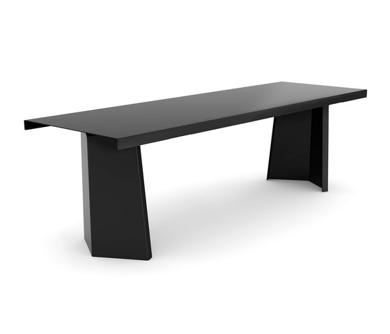 Pallas Black Edition by ClassiCon | Dining tables