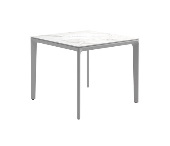 Carver Table by Gloster Furniture GmbH | Dining tables
