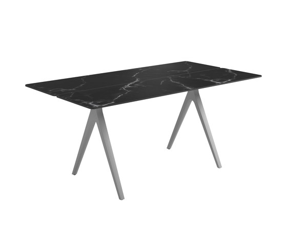 Split Small Table by Gloster Furniture GmbH | Dining tables