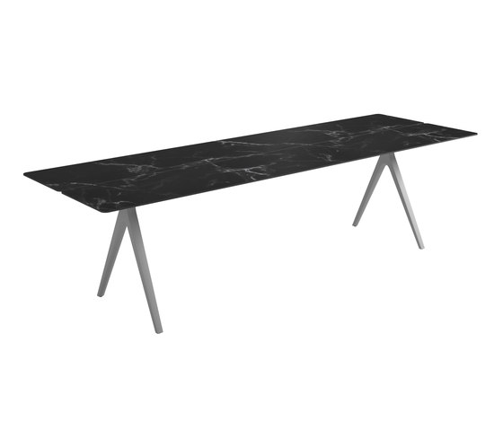 Split Large Table by Gloster Furniture GmbH | Dining tables