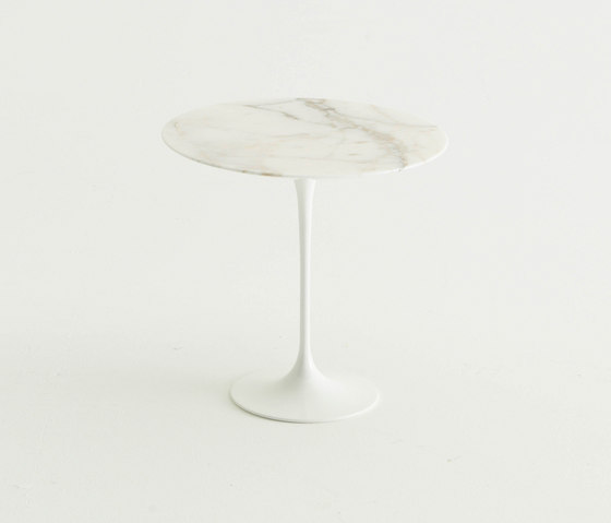 Saarinen Tulip Table basse de Knoll International | Tables d'appoint