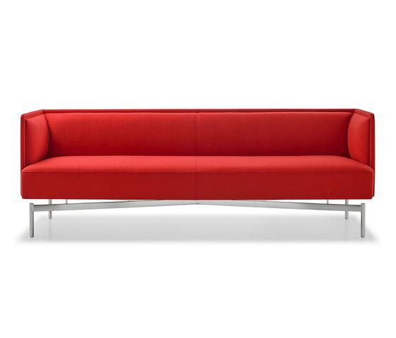 Finale Sofa di Bernhardt Design | Divani