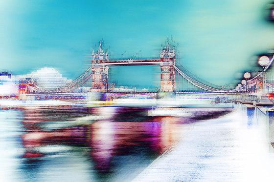 Analog Tower Bridge by GLAMORA | Bespoke wall coverings