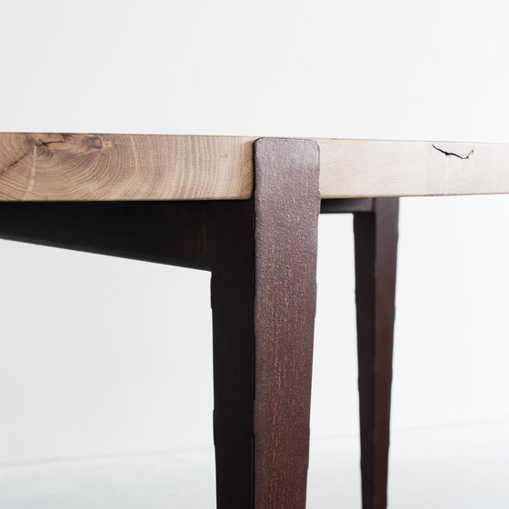 Wabi Sabi dining table round by Van Rossum | Dining tables