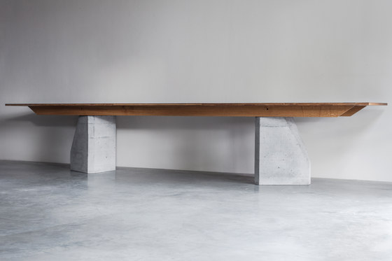 Ply 3 Series – Dining table 2 bases by Van Rossum | Dining tables