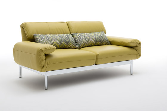 Rolf benz plura relaxsofas von rolf benz architonic for Rolf benz katalog