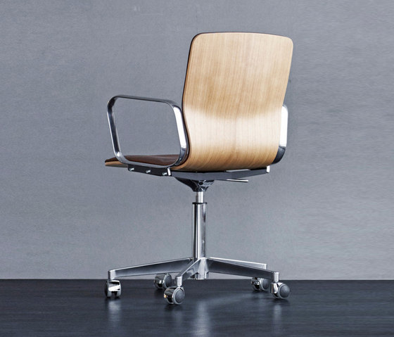 Butterfly Swivel High by Magnus Olesen | Chairs