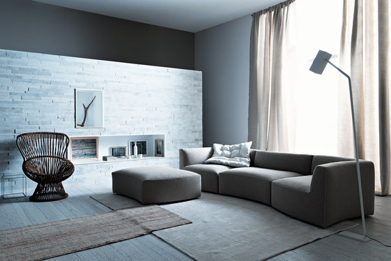 River | Sofa by Saba Italia | Lounge sofas